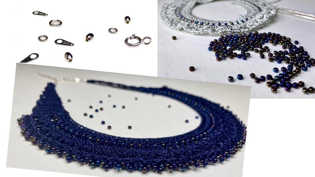 Fermoir argent, perle de verre pour ce collier en dentelle au crochet