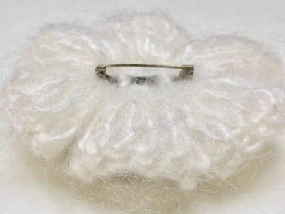 Profil arrière broche laine mohair au crochet