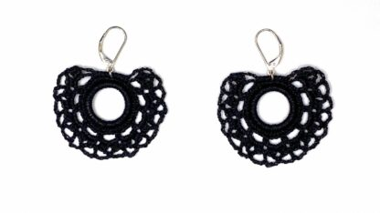 Boucles d'oreilles éventail noir dentelle au crochet