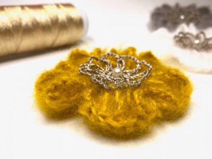 Pince cheveux fleur jaune