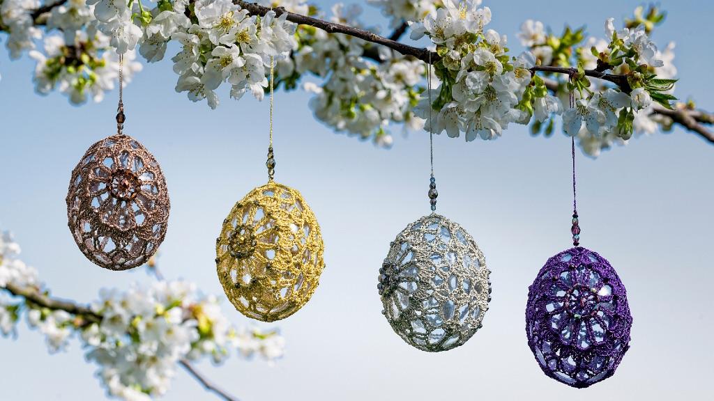 Decoration de Pâques en dentelle au crochet